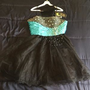 NWT Sexy Little Party Dress by After Six Size 12